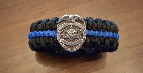 Thin Blue Line Medallion Edition Paracord Survival Bracelet