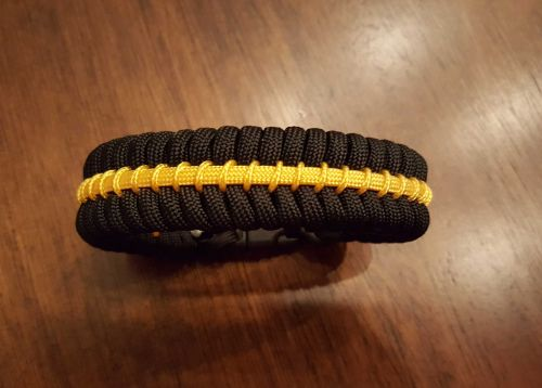 Thin Gold Line Paracord Survival Bracelet Maze Stitch